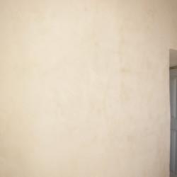 Enduits de chaux et vieux murs….